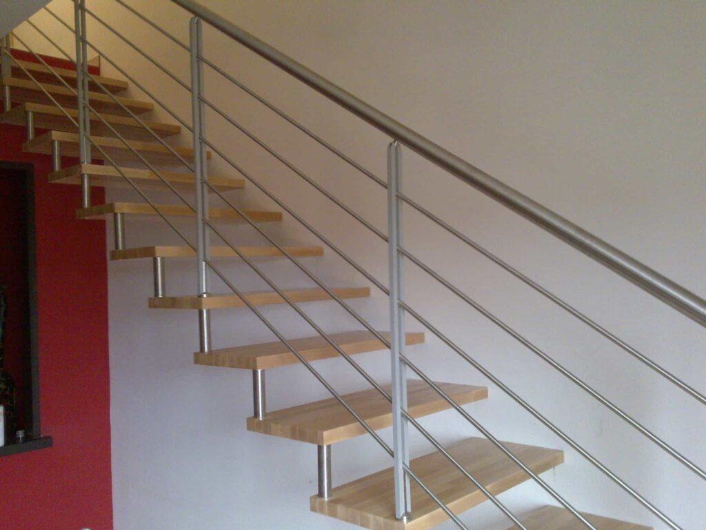 scale su misura in legno e acciaio